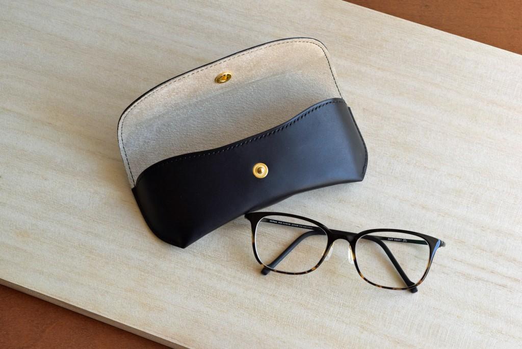 メガネケース ブラック