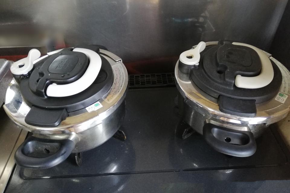 圧力鍋で大豆を煮る
