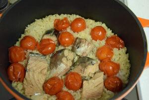 サバ缶とトマトのご飯
